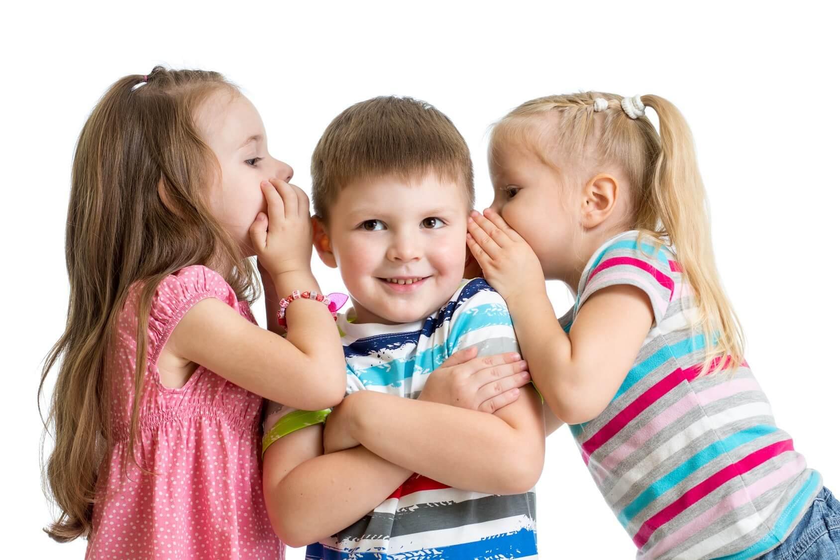 Две девочки и мальчик смешные картинки, поздравление мамы рождением